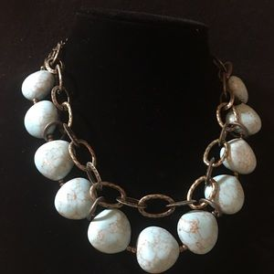 Turquoise necklace with bronze links